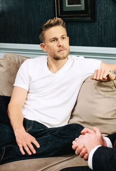 """mcavoys: """"Charlie Hunnam @ The Late Late Show with James Corden Most Beautiful Man, Gorgeous Men, Son Of Hades, Charlie Hunnam Soa, The Late Late Show, Avatar, Jax Teller, Papi, Famous Men"""