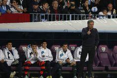 #Mourinho y #Casillas, en el banquillo.