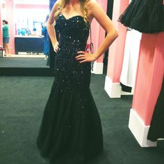 black formal mermaid dress