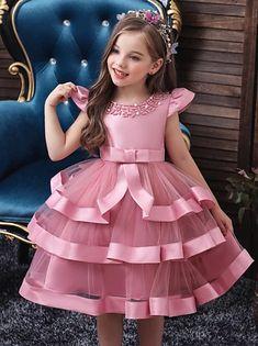 African Dresses For Kids, Dresses Kids Girl, African Fashion Dresses, Cute Dresses, Girls Dresses Sewing, Cute Little Girl Dresses, Baby Girl Party Dresses, Girls Christmas Dresses, Dress Party