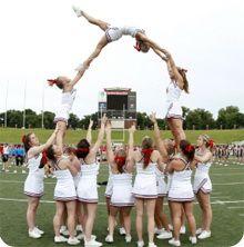 Cheerleading pyramid