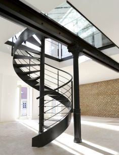 1000 images about escaliers on pinterest bretagne spiral stair and metals. Black Bedroom Furniture Sets. Home Design Ideas