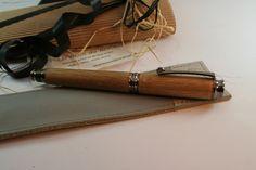 Stylo plume chromé anthracite et son étui cuir : Matériel pour écriture par styloboisdubocage