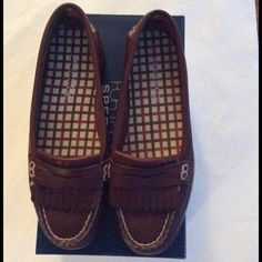 Sperry Top Sider Brown Leather Loafers 6.5 New Sperry Top Sider Brown Leather Loafers. Size 6.5 New in box ( see second picture a few scuffs, bought them like that) NO TRADES NO HOLDS  Sperry Top-Sider Shoes Flats & Loafers