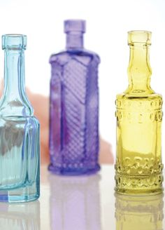 1395ee86021 These sweet and colorful miniature glass Features and Facts  Mini vases  measures 4-1