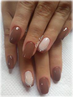 Neutral Nail Designs, Simple Nail Art Designs, Neutral Nails, Beautiful Nail Designs, Stylish Nails, Trendy Nails, Olive Nails, Subtle Nail Art, Cute Nail Polish
