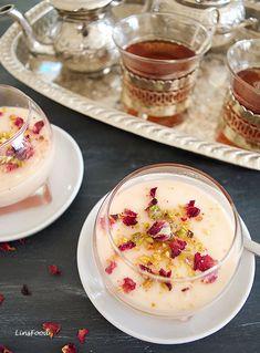 Mahalebi served with tea custard pudding eastern Arabic sweets How to Make Mahalabia Recipe (Muhallabia/Mahalebi) - a Middle Eastern Dessert Lebanese Desserts, Indian Desserts, Köstliche Desserts, Indian Food Recipes, Delicious Desserts, Dessert Recipes, Easter Desserts, Lebanese Recipes, Plated Desserts