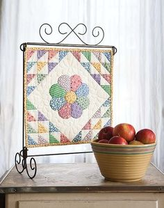 Dresden Bloom Mini Quilt - Quilting Digest