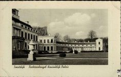 Een oude zwart-wit fotobriefkaart Paleis Soestdijk