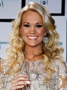 Carrie Underwood Hairstyles - November 12, 2008 - DailyMakeover.com