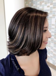 Contact me for bookings and 20% off your first service! #balayage #balayagecolor #balayagehighlights #highlights #haircolor #hair #colorist #brunette #dimensionalbrunette #dimension #bob #haircut #shorthair #kenra #kenracolor #kenraprofessional