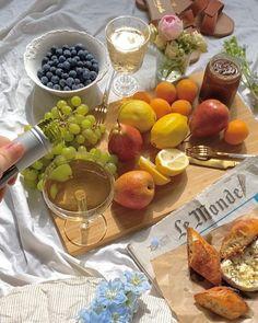 Picnic Date, Summer Picnic, Beach Picnic Foods, Cute Food, Good Food, Yummy Food, Comida Picnic, Think Food, Aesthetic Food