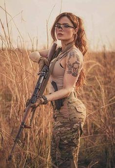 John Rick, Pin Up, Leder Outfits, Female Soldier, Military Girl, Warrior Girl, Military Women, N Girls, Dangerous Woman