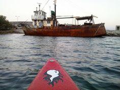 GREECE : MILOS ISLAND : ADAMAS paddle board spot in Greece