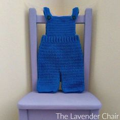 For both boys and girls this overall crochet pattern is so cute. It would make the perfect pattern for your little minion!