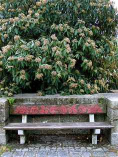 Cross stitch garden seat. O Blog da DMC: Setembro 2011
