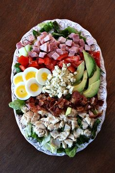 Recipe for a Classic Cobb Salad with homemade Blue Cheese Salad Dressing. Salad Bar, Soup And Salad, Salada Cobb, Classic Cobb Salad Recipe, Top Salad Recipe, Trifle Recipe, Cooking Recipes, Healthy Recipes, Cooking Tips