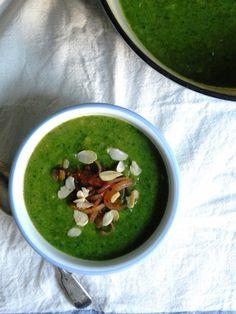 Leek, Potato & Broccoli Soup {vegan}