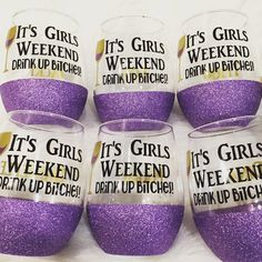 It's Girls Weekend Wine Glass/ Ladies Weekend Glass / Glittered Dipped Glass/ Bachelorette Party - Glitter glass - Girls Weekend Quotes, Girls Weekend Shirts, Wine Glass Sayings, Wine Glass Crafts, Diy Wine Glasses, Painted Wine Glasses, Weekender, Apps For Girls, Glitter Wine