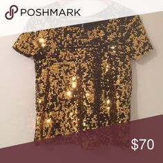 🆕 Topshop Sequin Sparkle Top Perfect for the upcoming holiday seasons ✨ excellent condition. Light weight. Topshop Tops