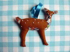 Felt woodland deer christmas ornament or brooch