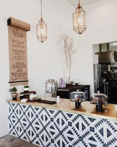 Monochrome geometric | newlyclark: Breakfast break. (at The Daily Harvest)
