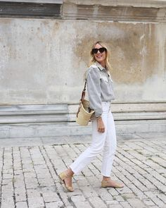 Work Looks, White Jeans, Summer Outfits, Spring Summer, Chic, Blouse, Pants, Instagram, Style