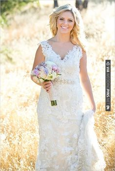 country chic bride | CHECK OUT MORE IDEAS AT WEDDINGPINS.NET | #weddingfashion