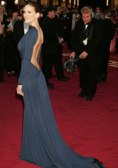 Iconic red carpet gowns Hilary Swank Oscars 2005