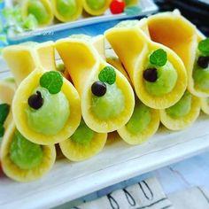 Resep kue basah kekinian istimewa Cake Recipes, Snack Recipes, Dessert Recipes, Cooking Recipes, Snacks, Resep Cake, Egg Tart, Asian Desserts, Indonesian Food