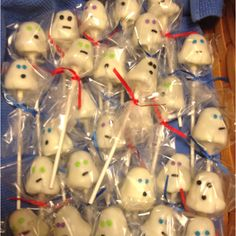 Ghost cake pops for a Scooby Doo birthday party.
