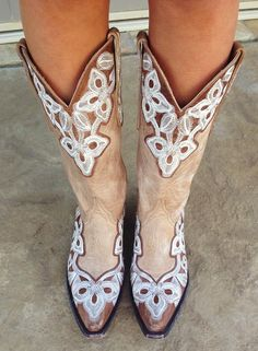 I love me a pair of cowgirl boots .... Old Gringo cowboy boots!