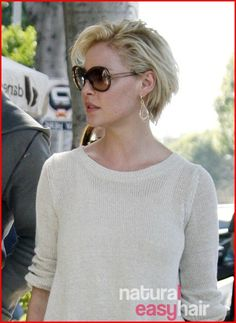 """""""Katherine Heigl Goes Short – Makeover or Makeunder? The latest celebrity to join the 'short hair' club: Katherine Heigl !"""", """"Katherine Heigl sports a Haircut Trends 2017, Hair Trends, Curly Hair Styles, Natural Hair Styles, Haircut For Older Women, Katherine Heigl, Corte Y Color, Trending Haircuts, Quick Hairstyles"""