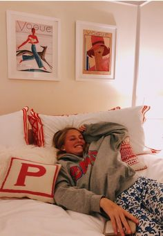 See more of cordeliascott's VSCO. Dream Rooms, Dream Bedroom, My New Room, My Room, Dorm Room Designs, Bedroom Designs, Cute Bedroom Ideas, Room Goals, Aesthetic Bedroom