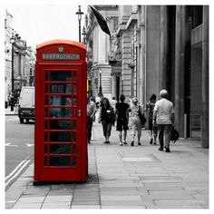 You might laugh, you might frown, walkin' 'round London town by Alessia Matteoli