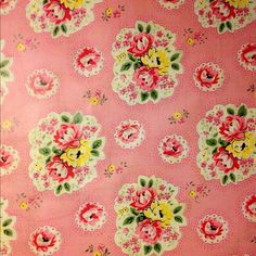 I photo-copied my vintage eiderdown - it's one of my favourite prints EVER! Vintage Floral Fabric, Vintage Textiles, Vintage Patterns, Textile Patterns, Textile Prints, Print Patterns, Granny Chic, Vintage Love, Vintage Pink