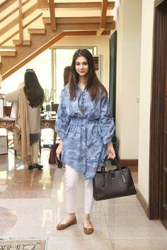 Khuban Omar Pakistani Fashion Casual, Pakistani Outfits, Boho Fashion, Fashion Dresses, Western Outfits Women, Fancy Kurti, Short Frocks, Girls Dress Up, Pakistan Fashion
