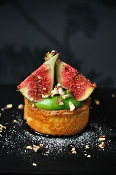 fig tartelette w/ pistachio pastry cream ++ via from buenos aires to paris