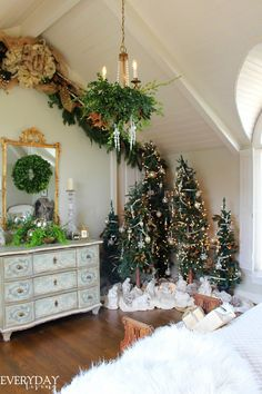 Bedroom Tour: Christmas Dreaming | Everyday Living