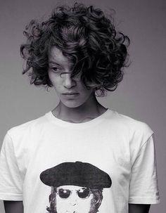 Cheveux bouclés : toutes les coiffures pour cheveux bouclés - Elle