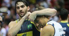 Giba dá cascudo em Escadinha após vitória da seleção brasileira sobre os Estados Unidos em Gdansk