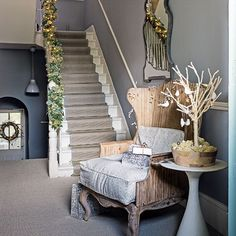 Traditional hallway pictures and photos for your next decorating project. Find inspiration from of beautiful living room images Staircase Carpet Runner, Hallway Carpet Runners, Cheap Carpet Runners, Stair Runners, Wall Carpet, Bedroom Carpet, Stair Carpet, Christmas Hallway, Scandi Christmas