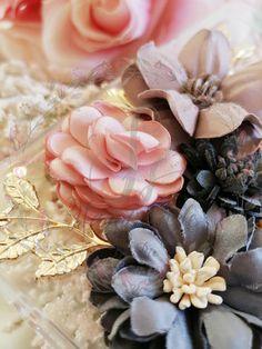 HANDMADE PHONE CASE diy Elegant flowers phone case pearls Diy Phone Case, Phone Cases, Elegant Flowers, Pearls, Handmade, Accessories, Hand Made, Phone Case, Craft