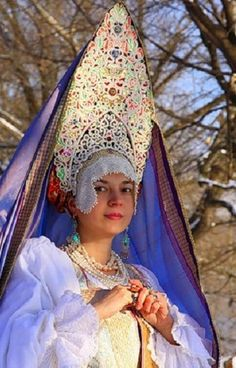 Festive head-wear of a married woman from the town of Galich, Kostroma Province, Russia. Modern work according to the fashion of the 19th century.
