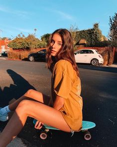 i got boards bro - Bilderwand - Skater Girls Photo Pour Instagram, Cute Instagram Pictures, Cute Poses For Pictures, Instagram Pose, Cute Tumblr Pics, Picture Ideas For Instagram, Tumblr Picture Ideas, Poses For Photos, Instagram Girls