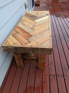 Reclaimed Pallet Wood Herringbone Outdoor Bench: 11 Steps (with Pictures) wood projects projects diy projects for beginners projects ideas projects plans Pallet Furniture Designs, Pallet Garden Furniture, Outdoor Furniture Plans, Wooden Pallet Projects, Pallet Ideas, Furniture Ideas, Furniture Repair, Furniture From Pallets, Rustic Furniture