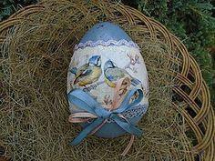 Egg Crafts, Easter Crafts, Diy And Crafts, Holiday Themes, Holiday Gifts, Easter Egg Designs, Easter Projects, Faberge Eggs, Egg Art