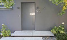Tocano Eingangspodest Sichtbeton Grau, glatt.