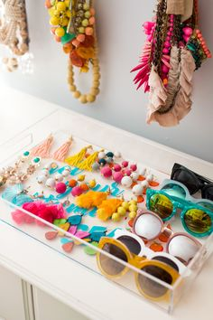 5 Tips for Organizing a Small Space (Jewelry, Accessories and Makeup ...