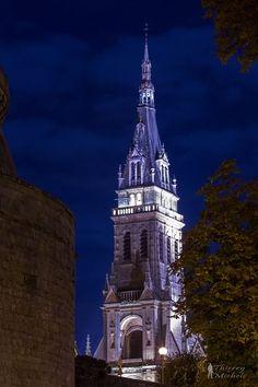 Basilique Notre-Dame d'Espérance à Charleville-Mézières © Thierry MICHEL #Ardennes #France